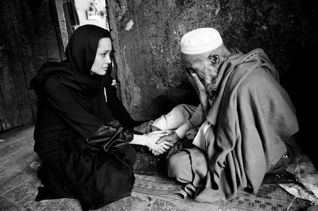 Good Willing Ambassador Angelina Jolie visits Afghanistan for UNHCR © Marco Di Lauro / Reportage by Getty Images