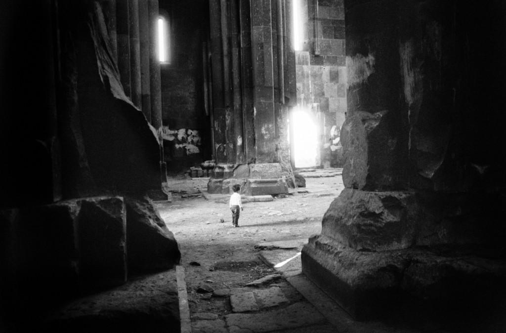 Ani, Turchia. Ani è l'antica capitale del regno armeno, è situata sulla barriera tra Armenia e Turchia. Oggi Ani è un'insieme di rovine di chiese, case e della cattedrale. Agosto 2013. © Linda Dorigo