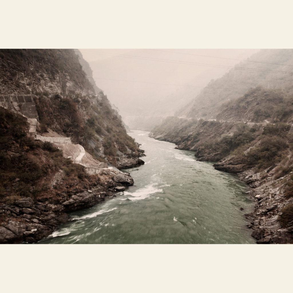 Il Gange poco prima della diga di Theri, tra le montagne dell'Himalaya - © Giulio Di Sturco.